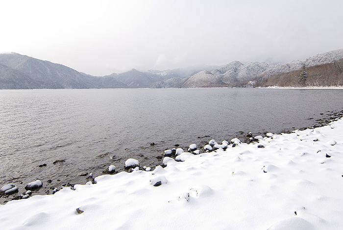 nikko chuzenji lake winter